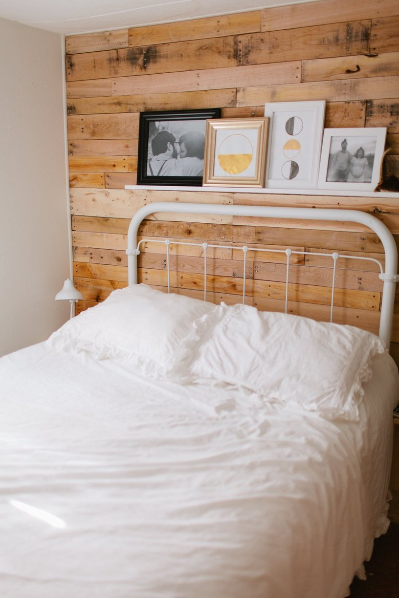 mobile home decor-modernly decorated mobile home bedroom