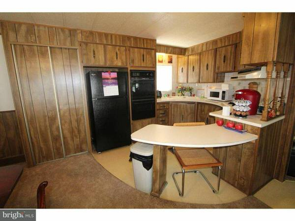 online mobile homes for sale-skyline kitchen