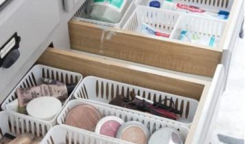 inexpensive ways to organize your manufactured home -small drawer baskets