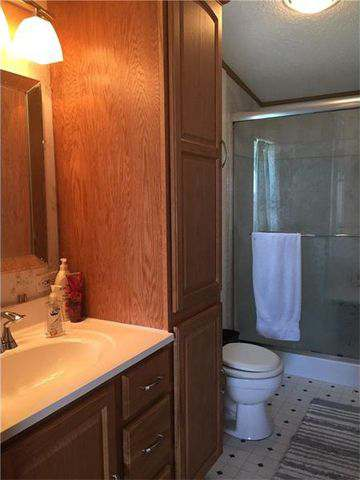 our 10 favorite Craigslist manufactured home listings in July 2017 - PA double wide with updated master bathroom