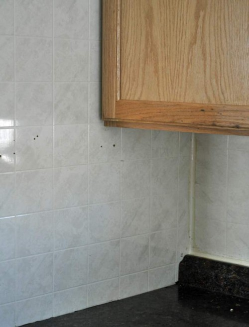 painting tileboard - prepping the tileboard paneling - cheap backsplash ideas