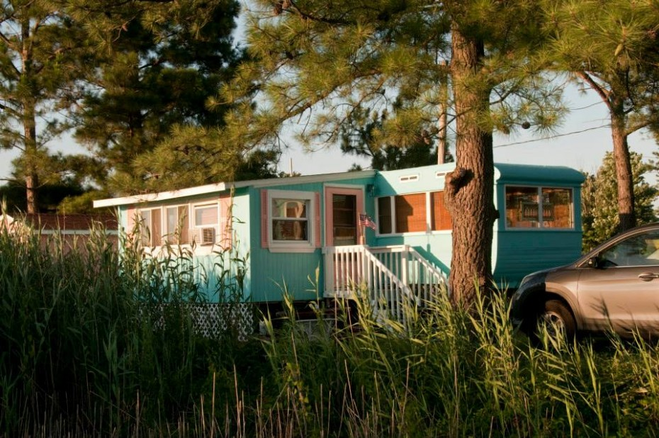 Painted sidin gon a mobile home teal paint metal siding on a mobile home