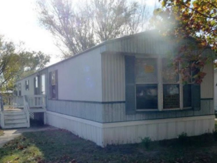 painting metal siding on a mobile home - before - my hearts song OPT