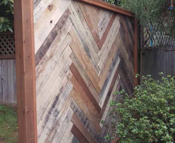 pallet projects-backyard fence