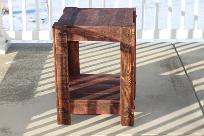Pallet Projects End Table