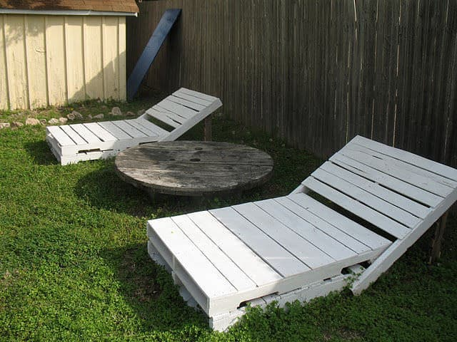 Pallet projects-lounge chairs
