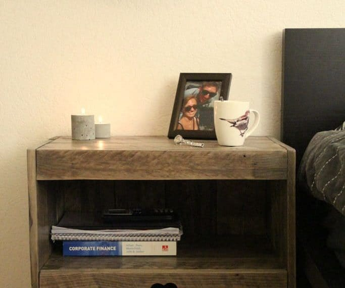 Pallet projects-nightstand