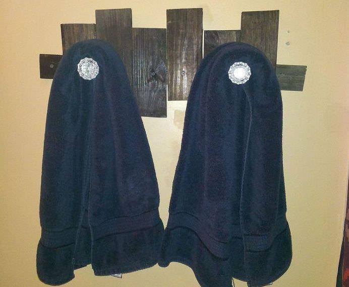 pallet projects-towel hooks