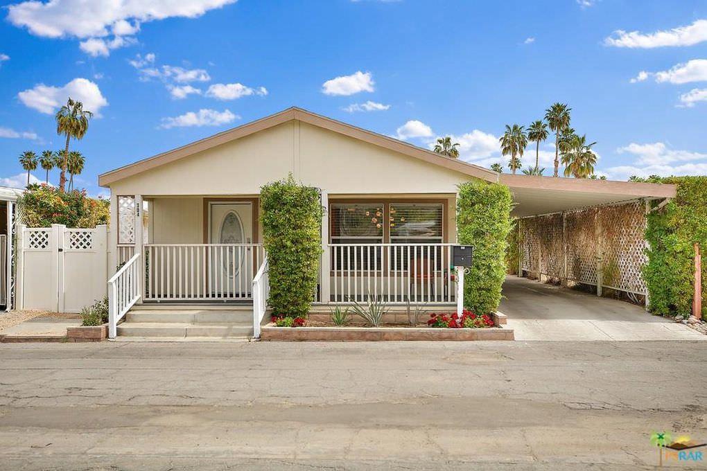 palm springs mobile home-exterior