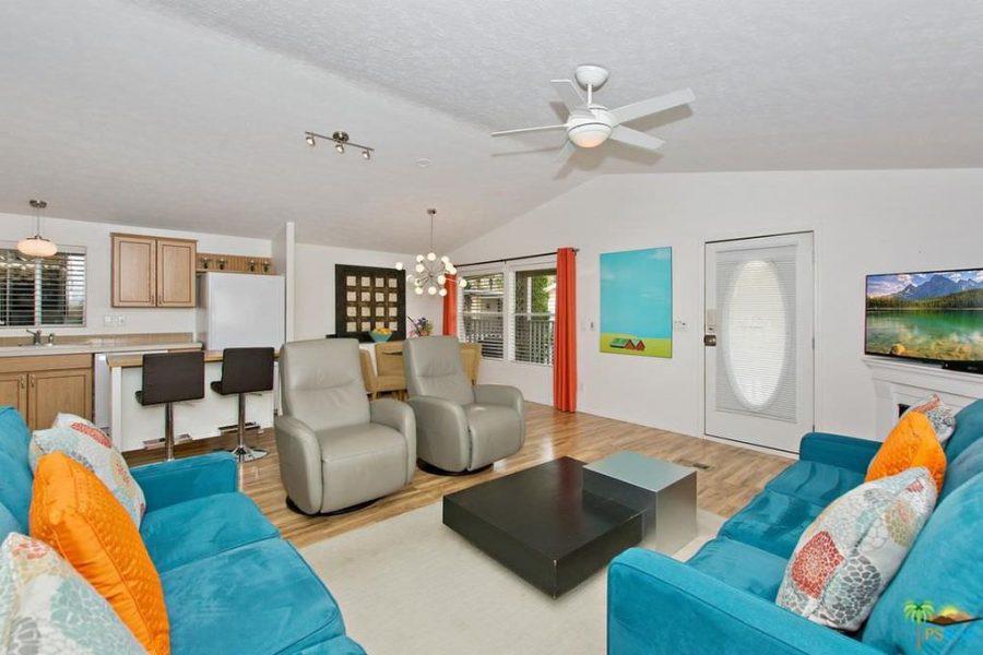 palm springs mobile home-living room