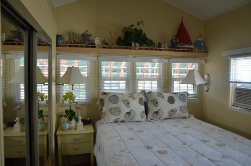 park model home beach house - bedroom