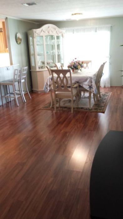 10 Awesome Craigslist Mobile Home Ads from June 2017 - Great dining room with new floors