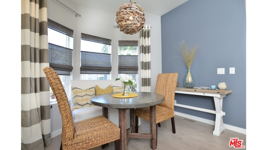 remodeled manufactured home ideas - dining room 3