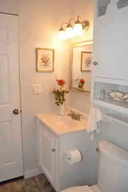 Remodeled mobile home bathroom- after