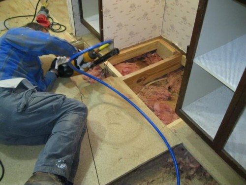 Removing Old Subflooring And Laying New In A Mobile Home