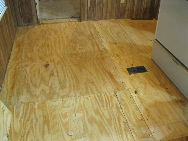 replaced mobile home subfloor with plywood