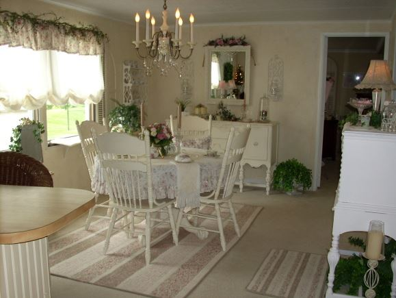 romantic dining room decor in a manufactured home