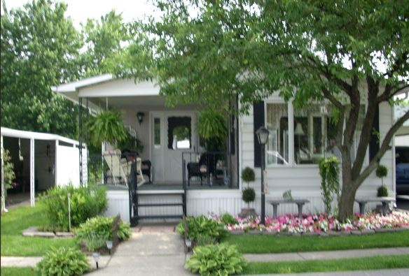 Charming cottage style manufactured home mobile home living for Cottage manufactured homes