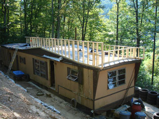framing the new roof for mobile home