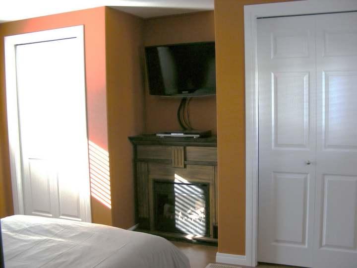 single wide mobile home bedroom after remodel (2)