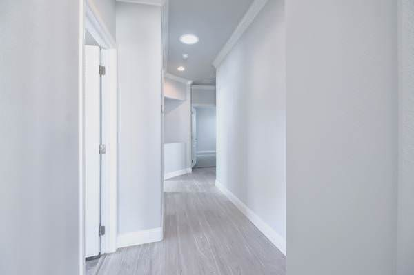 skyline manufactured home-hallway