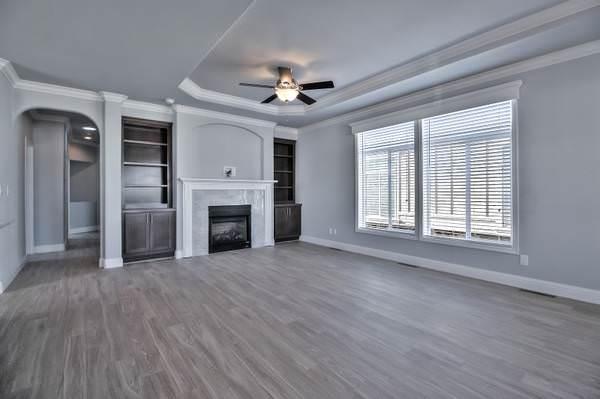 skyline manufactured home-living room
