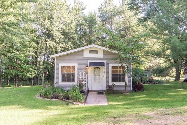 this 1997 double wide manufactured home is gorgeous - exterior view 2