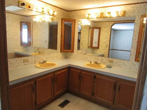 favorite mobile homes for sale -potential master bath