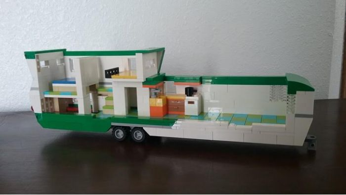 vintage mobile home made from LEGOS 2