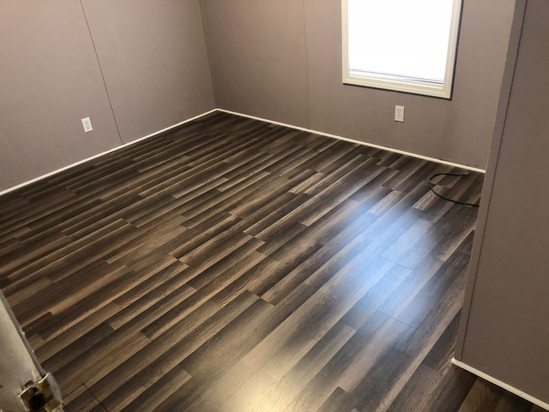 Replace Sulooring In A Mobile Home, Laminate Flooring Mobile Homes