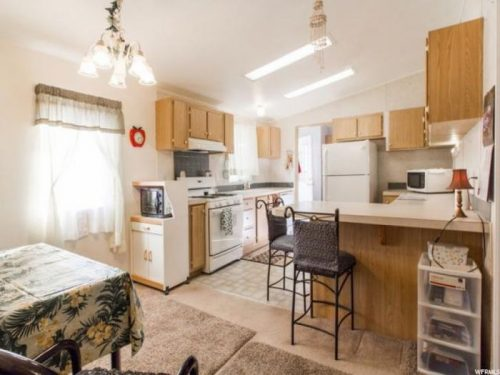 10 Awesome Craigslist Mobile Home Ads from June 2017 - Utah double wide kitchen