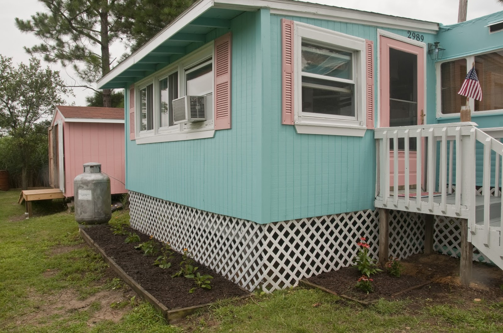 Paint For Mobile Homes Exterior valspar kelly moore exterior paint colors Vintage Mobile Home Makeover
