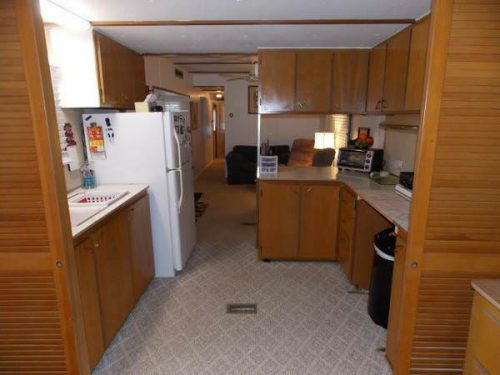 favorite mobile homes-vintage beauty-kitchen