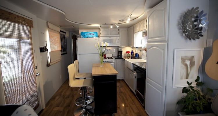 Vintage mobile home - mobile home or manufactured home