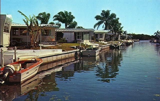 A look at some vintage trailer parks and campground images for Mobel vintage retro
