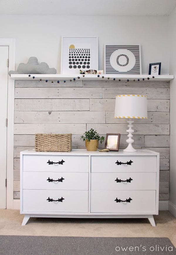 Wall decal for accent walls - using accent walls in your mobile home