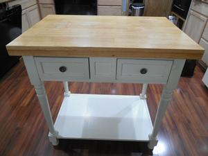 yard sale find - kitchen island before