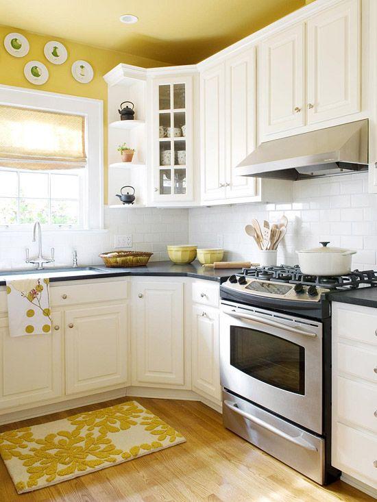 mobile home rental-yellow kitchen